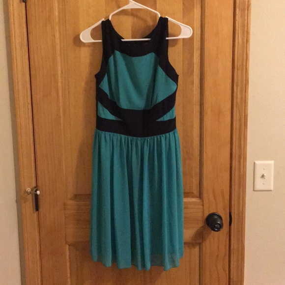 Enfocus Studio Dresses & Skirts - A navy blue and turquoise dress